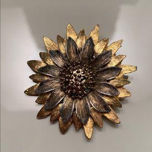 Vintage gold sunflower brooch